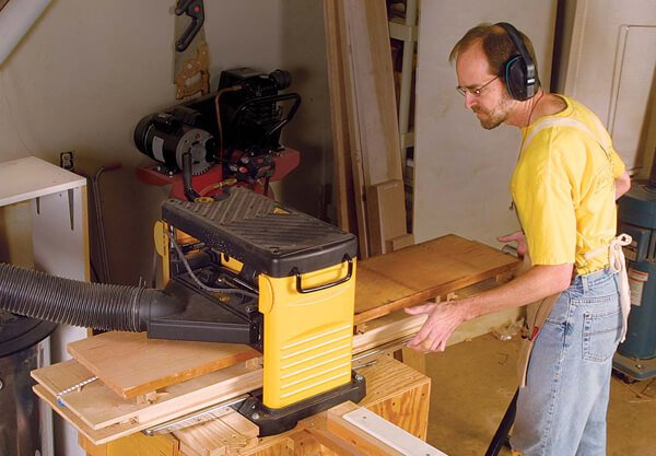 Best Wood Planer Reviews and Buying Guide 2019 6