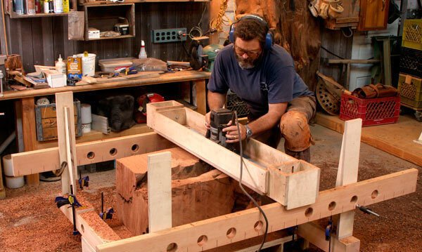 use and maintain wood router