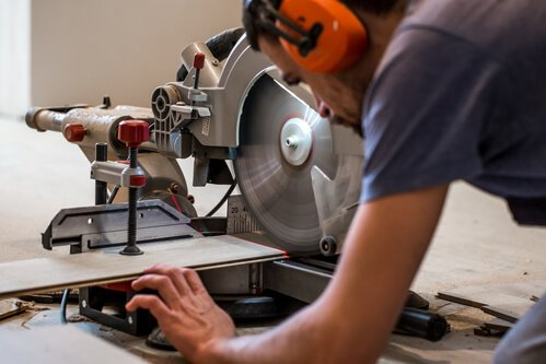 10-Inch vs 12-Inch Miter Saw: Is Bigger Always Better?